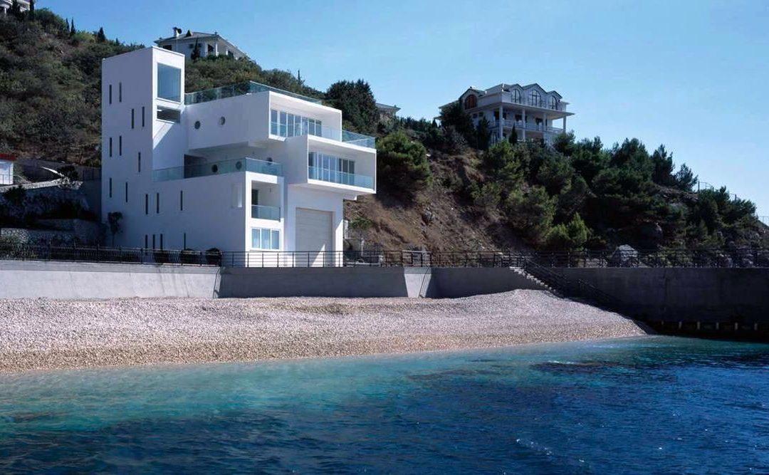 Сколько стоит дом в Крыму: строительство или покупка коттеджа у моря