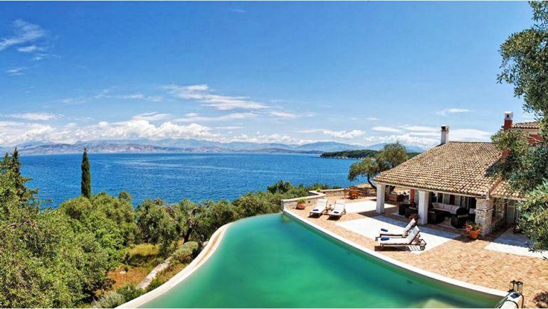 Купить дом у моря в Крыму и Севастополе.