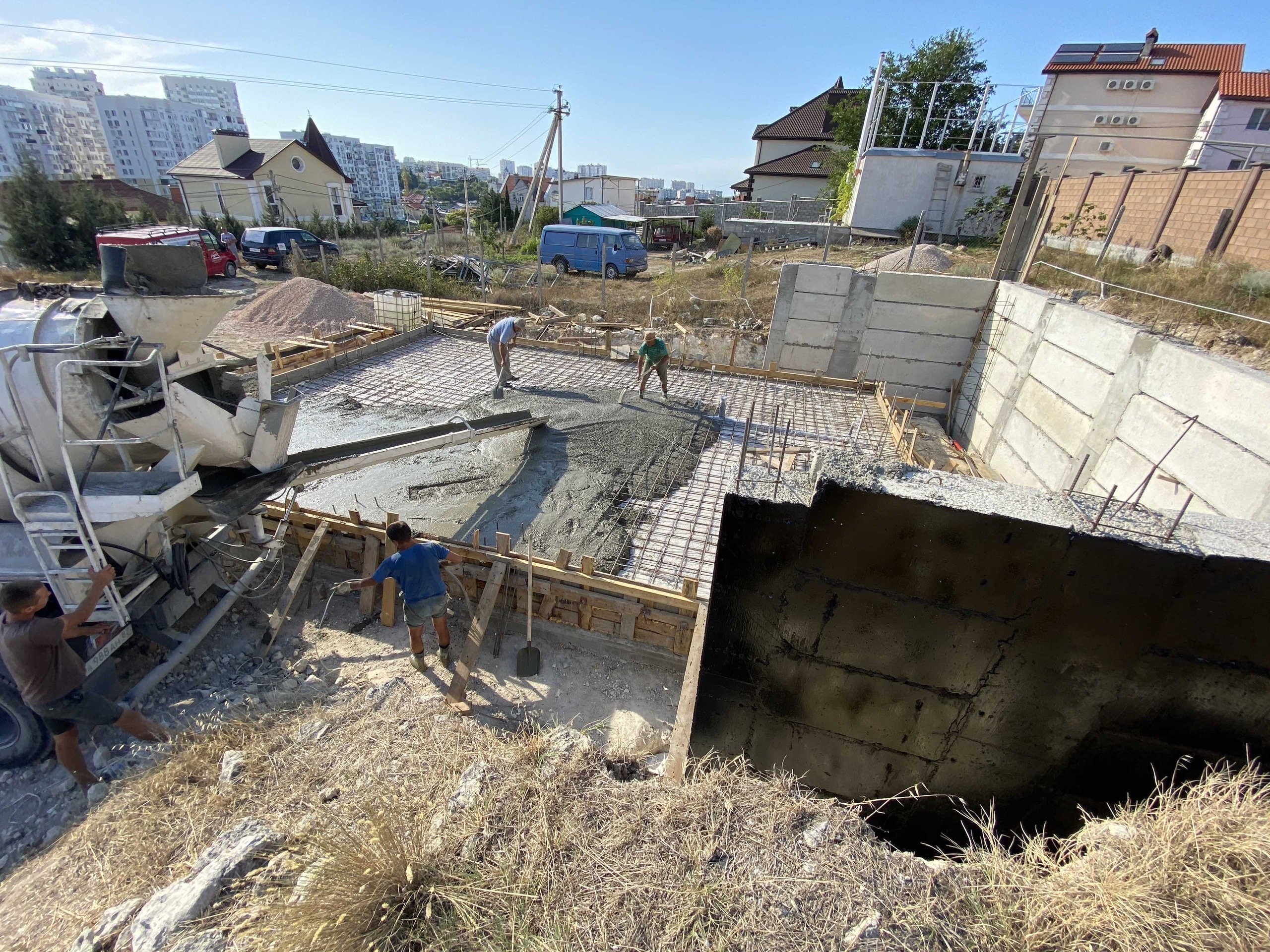 Установка ФБС блоков в Севастополе